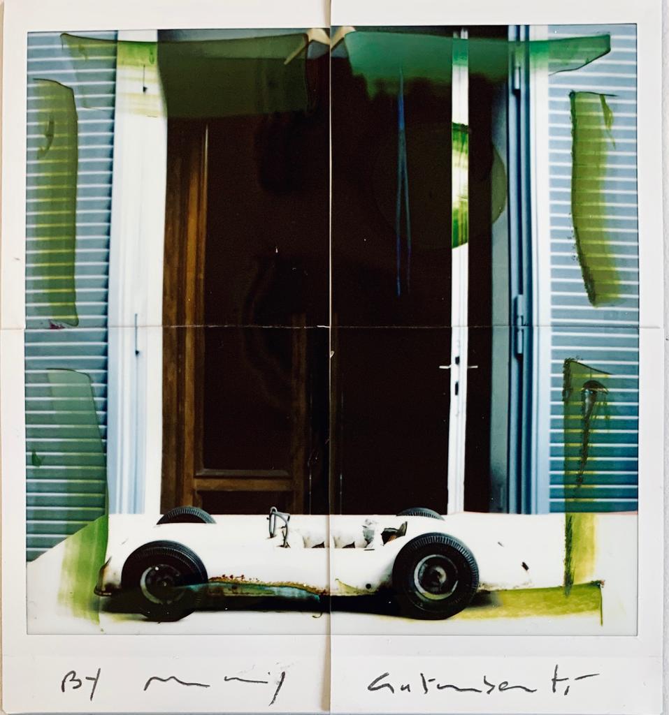Fotografie solidali di Maurizio Galimberti CV ... a casa ... con lo sguardo ed i sogni dentro la casa ... n°9
